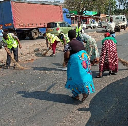 Clean up day at Kachere